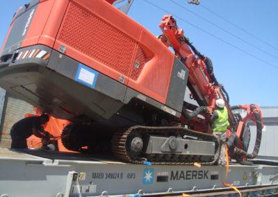 Vehículos y maquinarias que permite seguridad y agilidad para la manipulación de mercadería.